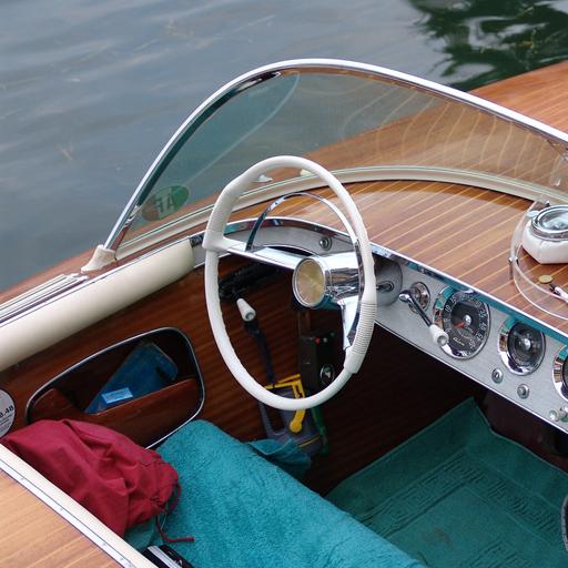 Scuola Guida Stucchi - Patente Nautica